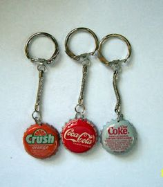 Make your own keychain from bottle caps for Fathers Day ~ Use a cap from his favorite drink :) ~ Wink wink!