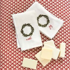 Wreath Guest Towels - Set of 2