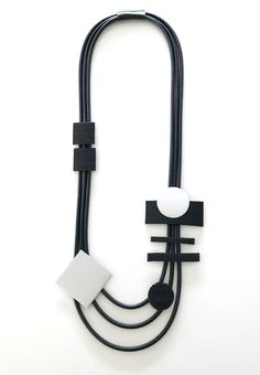 Halsband, gummi, aluminium Necklace, rubber Lagenlook