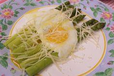 Aspargos com manteiga e ovo by Segredos da Tia Emília. .:: Segredos da Tia Emília ::..