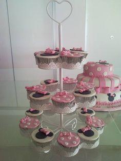 minnie cake and cupcakes www.facebook.com/criaideia