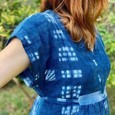 Charlie Caftan in shibori print fabric with Boro Patch // Closet Case Patterns Kaftan Pattern, College Wardrobe, College Fashion, Boro, Diy Clothing, Wardrobe Ideas, Shibori, Printing On Fabric, Sewing Patterns