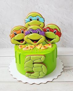 New Birthday Cake Decorating Creative Fondant Ideas Ninja Turtle Birthday Cake, Ninja Cake, Baby Boy Birthday Cake, Turtle Birthday Parties, Ninja Turtle Party, Cool Birthday Cakes, Ninja Turtles, Tmnt Cake, Making Fondant