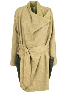 Green Plains Coat Carla Pontes . scar-id store, portuguese design, independen designers, new portuguese brands, winter clothing ideias, porto design store, cozy sweater