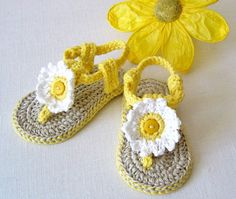 CROCHET PATTERN for Cute little Baby Flower Sandals - summer has never been such fun, or so colorful! Make your own cute little sandals for baby in no time for just a few dollars! Softer than any sandals Ive seen and very sturdy with double layer soles. ***Pattern available for immediate download after payment has cleared. Discounts offered for bulk purchases of patterns:- Any 2 patterns for $10.00 use code: 24TEN Any 3 patterns for $14.00 use code: 34FOURTEEN Any 4 patterns for $17.00 use…