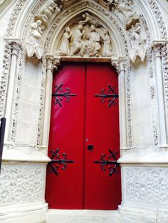 Porta da fachada lateral da Notre Dame - Foto: Arquiteta Cláudia F. Ferreira