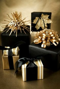Christmas gift wrapping ideas ToniK ⓦⓡⓐⓟ ⓘⓣ ⓤⓟ Black & gold fancy elegant boxwoodclippings.com