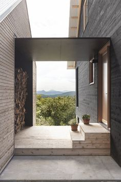 Paramount - la SHED architecture — Maxime Brouil. - - Makaron - Paramount la SHED architecture Maxime Brouil - Architecture Design Concept, Architecture Résidentielle, Contemporary Interior Design, Contemporary Architecture, Modern Barn, Modern Farmhouse, Modern Entry, Home Modern, New Homes
