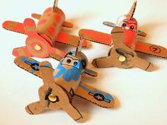Bricoler des avions avec les enfants! Patron gratuit! - Bricolages - Des bricolages géniaux à réaliser avec vos enfants - Trucs et Bricolages - Fallait y penser !