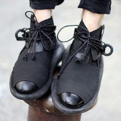 """#jordan #kick #sneaker #shoes #shoedesign #shoedesign #yeezy #ist #sneakerhead #flykicks #shoegasm #fashion #swag #soleonfire #black #scarpe #schuhe…"""
