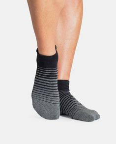PRODUCT DETAILS Barre Socks by Pointe Studio Cushioned grip sock made with soft combed cotton and sturdy PVC grip. A soft terry footbed and compression arch support gives much needed comfort and protection while a padded ankle rest shields the achilles tendon from hard surfaces. Perfect for barre and pilates. Pointe Studio is an athletic brand rooted in the fashion industry. Gone are the days of boring, safe clothes with zero personality. Workout gear has become more than just clothes to…