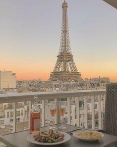 Dinner in Paris, France :) City Aesthetic, Beige Aesthetic, Travel Aesthetic, Summer Aesthetic, Places To Travel, Places To Go, Travel Destinations, Dream Vacations, Vacation Trips
