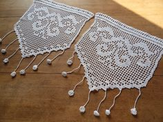 This Pin was discovered by Jad Filet Crochet, Stitch Crochet, Crochet Borders, Thread Crochet, Crochet Lace, Crochet Bikini, Crochet Patterns, Crochet Curtains, Lace Curtains
