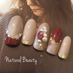 Winter Nails – Picture Ideas Part 1 – Beauty and Fashion Tips and Ideas Pearl Nails, Gem Nails, Nude Nails, Hair And Nails, Super Cute Nails, Pretty Nails, Fingernail Designs, Nail Art Designs, Holiday Nails