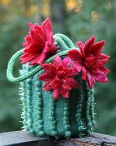 cacti handbags - - I really like this one!