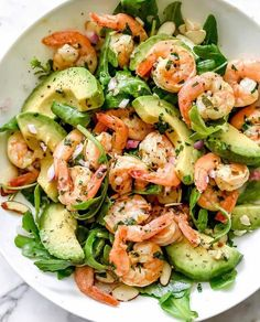 Healthy Chicken Pasta Salad - - Packed with flavor, protein and veggies! This healthy chicken pasta salad is loaded with tomatoes, avocado, and fresh basil. Shrimp Avocado Salad, Avocado Salad Recipes, Avocado Salat, Healthy Salad Recipes, Diet Recipes, Vegetarian Recipes, Pasta Salad, Shrimp Recipes, Healthy Foods