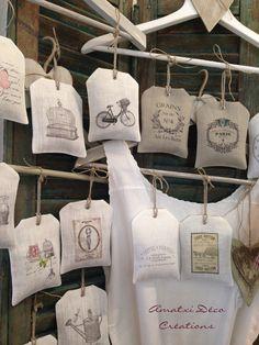 Handmade lavender sachets an easy diy gift tutorial Lavender Crafts, Lavender Bags, Lavender Sachets, Fabric Crafts, Sewing Crafts, Sewing Projects, Crafts To Sell, Diy And Crafts, Scented Sachets
