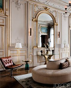 Perfect choice of an iconic Vladimir Kagan sofa to soften this restored Paris apartment's living room. Modern Homes - Paris Interiors - ELLE DECOR Home Design, Home Interior Design, Interior Decorating, Decorating Ideas, Decor Ideas, Interior Rugs, Design Design, Classical Interior Design, Lobby Interior