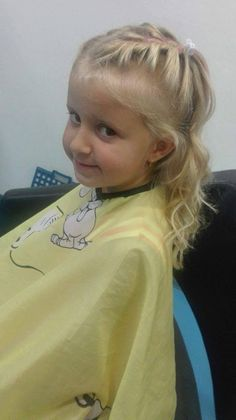 Zapletané vlasy teraz veľmi letia, tak prečo by ich nemohla mať aj táto slečna. #detskekadernictvo #trnava #arkadiatrnava #kadernictvo #hairstyle #haircut #kids #kidshairstyles #littleprincess #girl #girlhaircut #girlhairstyle #slovensko #slovakia