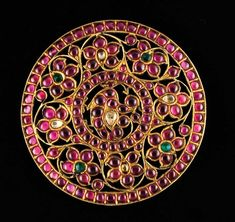 Jaipur is a great source of Mughal antique and Mughal style jewelry Antic Jewellery, Mughal Jewelry, India Jewelry, Temple Jewellery, Tribal Jewelry, Hair Jewelry, Antique Jewelry, Gold Jewelry, Diamond Jewellery