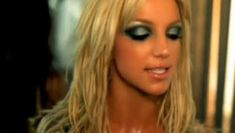 "Love Britney's smokey eye from her ""I'm A Slave For You"" music video"