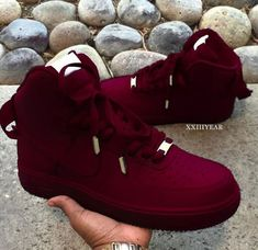 Tennis Girl Beats is part of Burgundy nike shoes - Sneaker Outfits, Sneaker Boots, Sneakers Fashion Outfits, Burgundy Nike Shoes, Burgundy Sneakers, Moda Sneakers, Sneakers Mode, Girls Shoes, Women Nike