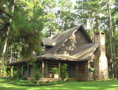 Appalachian Log Homes - Log Home For Sale, Pictures and Log Building Photos - Boyett, TX Log Homes For Sale, Cabins For Sale, Log Cabin Living, Log Cabin Homes, Lake Cabins, Cabins And Cottages, Mountain Cabins, Rustic Lake Houses, Barn Houses