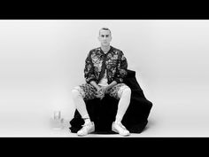 SHOWstudio: In Fashion - Jeremy Scott interview, Uncut Footage Fashion Tv, Runway Fashion, Jeremy Scott, Interview, Teaching, Youtube, Fashion Show, Learning, Youtubers