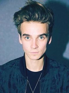 Yes, i know, another Joe Sugg picture...but he is my favourite YouTuber so sue me...or don't?! I'd appreciate if you didn't haha!