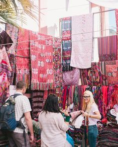 Have your own brand and looking to buy ethical goods from Guatemala? We want to help you source some beautiful authentic Guatemalan textiles or market ready goods! Link in bio to learn more about our buying and sourcing trips. . @ericalatack photography   www.hiptipico.com
