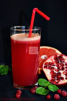 Sucuri naturale pentru copii, pur si simplu delicioase Healthy Drinks, Healthy Recipes, Tasty, Yummy Food, Baby Food Recipes, Punch Bowls, Deserts, Food And Drink, Fresh