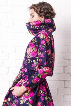 """Caminando al nuevo año... Con este outfit de falda tul y chaleco largo con bolsillos de """"DiPinCa by Diana Pintado"""" Podrás encontrar algo mejor??  chequea nuestra web www.dipinca.com  #dipinca #dianapintado #web #outfit #christmas #fashiondesigner #fashionblogger #bohemian #boholuxe #ibizabohogirl #madrid #freepeople #picoftheday #piezasúnicas #clandestinos #pruebayvete @juandan_ibz @martitabeltrann @sulookibz @mariasantosibiza"""