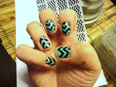 Easy nail art by transferring pictures with rubbing alcohol!