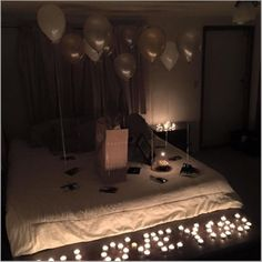 Ideas For Diy Gifts For Husband Birthday For Him Birthday Room Surprise, Hotel Birthday Parties, Birthday For Him, Husband Birthday, Baby Birthday, Hotel Room Decoration, Romantic Room Decoration, Hotel Decor, Suprise For Boyfriend