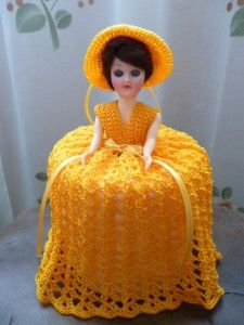 Toilet paper sits under her dress ! My Childhood Memories, Sweet Memories, Crochet Toilet Roll Cover, Thanks For The Memories, Tissue Box Covers, Crochet Dolls, Paper Dolls, Free Crochet, Barbie