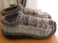 knitted slippers free knitting pattern for non-felted slippers and more slipper knitting patterns nw Crochet Slipper Boots, Crochet Socks, Knit Or Crochet, Knitting Socks, Hand Knitting, Knit Socks, Slipper Socks, Knitting Needles, Crochet Granny