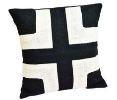 Burlap pillow covers -Black burlap pillows with cream applique -Decorative cushion covers- Throw pillows - Black pillow covers- Applique pillows- Handmade Amore Beaute http://smile.amazon.com/dp/B00E4R5LT0/ref=cm_sw_r_pi_dp_doD3vb0JA23SJ