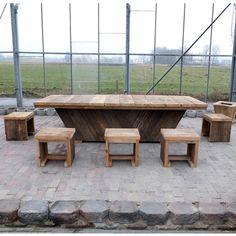 Unterwasserholz Tisch 'Frankfurt'. Unsere Unterwasserholz kommt aus Hollandische Kanäle, das Holz bekommt beim Hausundgartenmoebel.com ein zweites Leben! Die Optik von Unterwasserholz ist rustikal und hat eine lange Lebensdauer. Unsere Unterwasserholz und Bauholzmöbel sind Nachhaltig und sind Möbel mit ein Geschichte! Lassen Sie sich inspirieren. - See more at: http://www.hausundgartenmoebel.com/produkte/unterwasserholz-tisch-frankfurt/#sthash.701FVPfV.dpuf