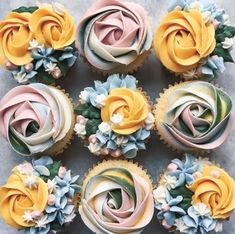 Give mother a dozen of what she actually needs, cupcakes! Bouquet Impressed Cupcakes are the last word deal with. Now, get to baking!⠀ 👉Get extra Cupcake recipe… Pretty Cupcakes, Beautiful Cupcakes, Flower Cupcakes, Wedding Cupcakes, Strawberry Cupcakes, Easter Cupcakes, Christmas Cupcakes, Cupcake Piping, Buttercream Cupcakes