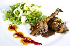 Alitas de pollo de corral rellenas de carne picada de ternera, verduras y foie fresco. #tapas #restaurante #cocinaitaliana #Madrid
