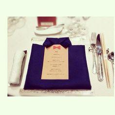 ☆ プランナーさんとお打ち合わせ♪ ナフキンの織り方を ネットで見つけて可愛すぎて これにしてもらうことに☺☺☺ ☆ #プレ花嫁#ゲストテーブル  #ナプキン 織り方#可愛すぎ
