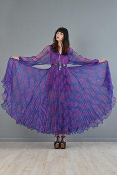 amazing vintage maxi dress
