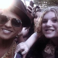 bruno n fans on red carpet logies award