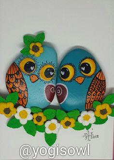 Acrylic Painting Rocks, Pebble Painting, Pebble Art, Stone Painting, Rock Painting Patterns, Rock Painting Designs, Stone Crafts, Rock Crafts, Owl Rocks