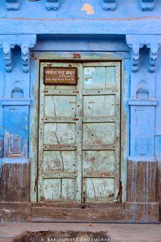 mughal-door-architecture-blue-Jodhpur-islam