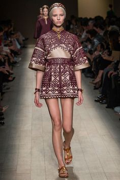 Valentino Spring 2014 Ready-to-Wear Collection Slideshow on Style.com  http://trendyplum.blogspot.fr/