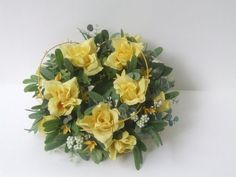 Yellow open roses