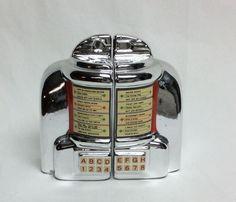 JUKEBOX SALT & PEPPER SHAKERS By Vandor Salt N Peppa, Retro Diner, Spice Containers, Salt Box, Milkshake Recipes, Pineapple Upside, Salt And Pepper Set, Salt Pepper Shakers, Cookie Jars
