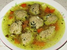 Babkine játrové knedlíčky-Grandma's liver dumplings in chicken soup Czech Recipes, Old Recipes, Great Recipes, Snack Recipes, Ethnic Recipes, Recipies, Austrian Recipes, Hungarian Recipes, Slovak Recipes