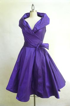 Custom Made MARIA SEVERYNA Double Wrap Full Skirt Dress style cocktail dress Mother of the Bride Dress - available in many colors Vintage Outfits, Vintage Party Dresses, Glam Dresses, Mob Dresses, Pretty Dresses, Beautiful Dresses, Dress Vintage, 1950s Dresses, Bride Dresses